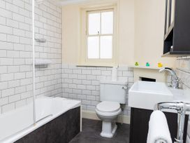 Ground Floor Apartment - Cotswolds - 1087406 - thumbnail photo 9
