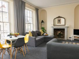 First Floor Apartment - Cotswolds - 1087472 - thumbnail photo 2