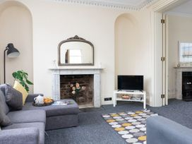 First Floor Apartment - Cotswolds - 1087472 - thumbnail photo 3