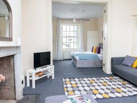 First Floor Apartment - Cotswolds - 1087472 - thumbnail photo 5