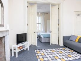 First Floor Apartment - Cotswolds - 1087472 - thumbnail photo 6
