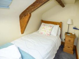 Honey Bee Cottage - Whitby & North Yorkshire - 1195 - thumbnail photo 9