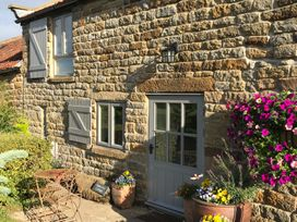 Honey Bee Cottage - Whitby & North Yorkshire - 1195 - thumbnail photo 2