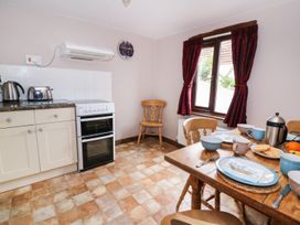 Beech Cottage - Mid Wales - 12564 - thumbnail photo 9