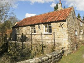 Beckside - Whitby & North Yorkshire - 1293 - thumbnail photo 1