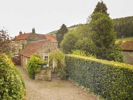 Beckside - Whitby & North Yorkshire - 1293 - thumbnail photo 4