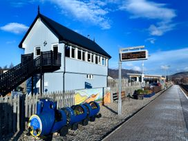 Signal Box - Scottish Highlands - 1304 - thumbnail photo 13