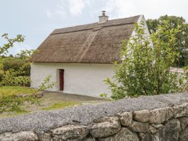 Spiddal Thatch Cottage - Shancroagh & County Galway - 14451 - thumbnail photo 15
