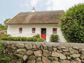 Spiddal Thatch Cottage - Shancroagh & County Galway - 14451 - thumbnail photo 2