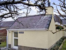 Damavand - North Wales - 1446 - thumbnail photo 1