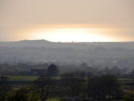 Damavand - North Wales - 1446 - thumbnail photo 9