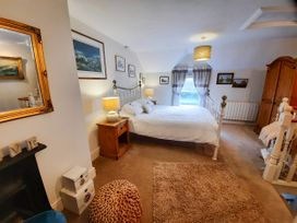Bwthyn Ger Afon (Riverplace Cottage) - North Wales - 15039 - thumbnail photo 16
