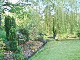 Distyll - North Wales - 15883 - thumbnail photo 9