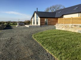 5 bedroom Cottage for rent in Pentraeth