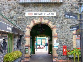 Station Flat - North Wales - 16719 - thumbnail photo 17