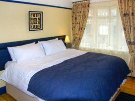Highgate - North Wales - 17340 - thumbnail photo 13