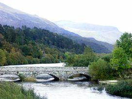 Ty Newydd Bach - North Wales - 1750 - thumbnail photo 9