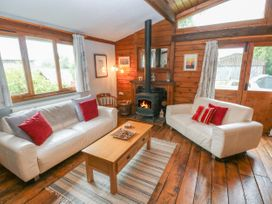 Timbertwig Lodge - South Wales - 17619 - thumbnail photo 4