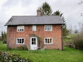 4 bedroom Cottage for rent in Whitchurch