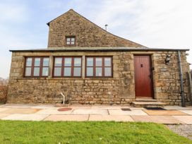 5 bedroom Cottage for rent in Lancaster