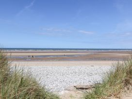Beach Cottage - North Wales - 20157 - thumbnail photo 35