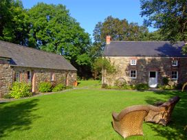 Penlanfach Farmhouse - South Wales - 2021 - thumbnail photo 12