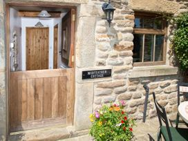 Midfeather Cottage - Peak District - 2064 - thumbnail photo 10