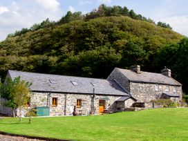 Glasfryn Barn - North Wales - 2093 - thumbnail photo 1