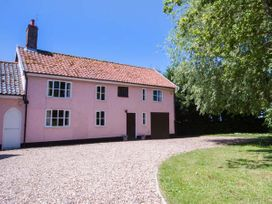 3 bedroom Cottage for rent in Bungay