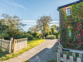 Eudon Burnell Cottage - Shropshire - 22221 - thumbnail photo 23