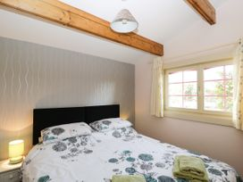 The Log Cabin - Somerset & Wiltshire - 22948 - thumbnail photo 15