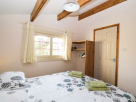 The Log Cabin - Somerset & Wiltshire - 22948 - thumbnail photo 16