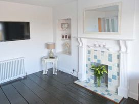 Sea View Cottage - Whitby & North Yorkshire - 23704 - thumbnail photo 5