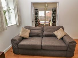 5 Cae Derwydd - Anglesey - 2374 - thumbnail photo 7