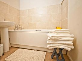 The Townhouse Apartment - North Wales - 24280 - thumbnail photo 5