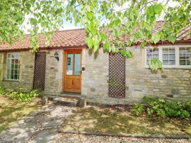 2 bedroom Cottage for rent in Hinton