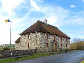 An Maide Ban - North Ireland - 24897 - thumbnail photo 2
