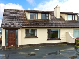 4 bedroom Cottage for rent in Lahinch