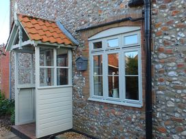 Beaconsfield Cottage - Norfolk - 28623 - thumbnail photo 2