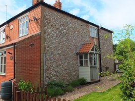 2 bedroom Cottage for rent in Holt