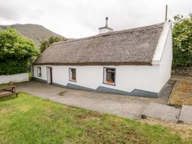 The Thatched Cottage - Westport & County Mayo - 2869 - thumbnail photo 3