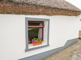 The Thatched Cottage - Westport & County Mayo - 2869 - thumbnail photo 10