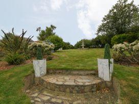 Little Gwaelod - Anglesey - 2889 - thumbnail photo 19
