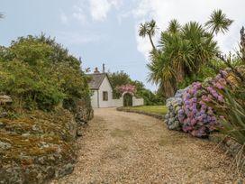 Little Gwaelod - Anglesey - 2889 - thumbnail photo 22