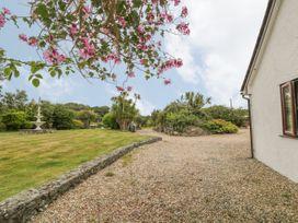 Little Gwaelod - Anglesey - 2889 - thumbnail photo 27