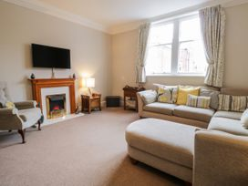 Spa Side Apartment - Whitby & North Yorkshire - 29239 - thumbnail photo 2