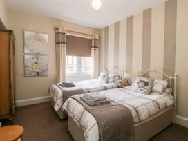 Spa Side Apartment - Whitby & North Yorkshire - 29239 - thumbnail photo 10