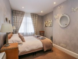 Spa Side Apartment - Whitby & North Yorkshire - 29239 - thumbnail photo 11