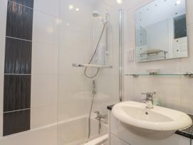 Spa Side Apartment - Whitby & North Yorkshire - 29239 - thumbnail photo 14