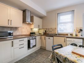 Spa Side Apartment - Whitby & North Yorkshire - 29239 - thumbnail photo 7